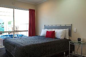 One Bedroom Spa Pool Suite