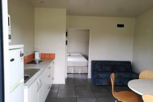 Kitchen cabin 2