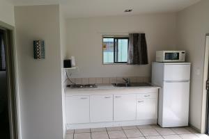 Kitchen cabin 3