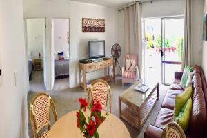 Two Bedroom Apartment (sleeps 5 max)