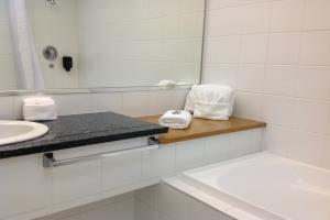 Premium Spa Suite Bathroom
