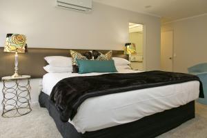 King Bed Studio