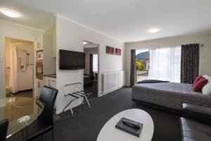 Deluxe 1 bedroom Unit 2