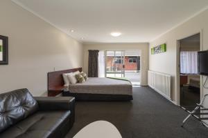 Deluxe 1 bedroom Unit 3