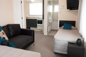 1 Bedroom Super-King Bed Apartment