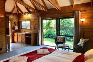 King Tropical Garden Villa