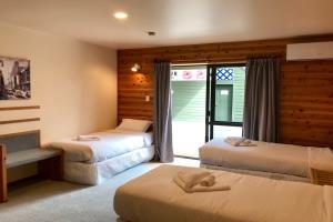 Triple Bed Studio