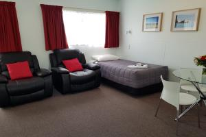 Unit 8 - Studio Xtra Apartment