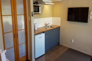 Motel - Room 207