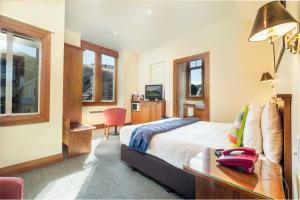 Two Bedroom - Two Bathroom Suite