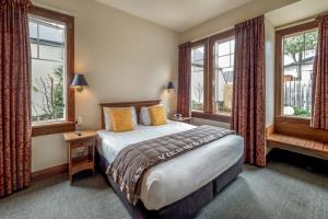 Superior One Bedroom 4