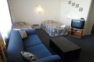 221 Basic Family Self Contained Motel