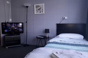 Standard Queen Room Max 4