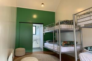 4 BED DORM - SHARED BATHROOM