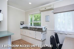 One Bedroom Triple