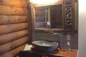 The Retreat bathroom