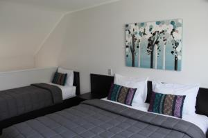 Deluxe One Bedroom Suite (Two Storey)