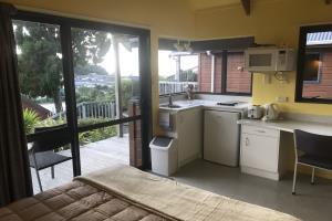 Garden View Kiwi