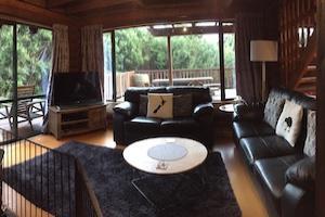 lounge Manuka lodge